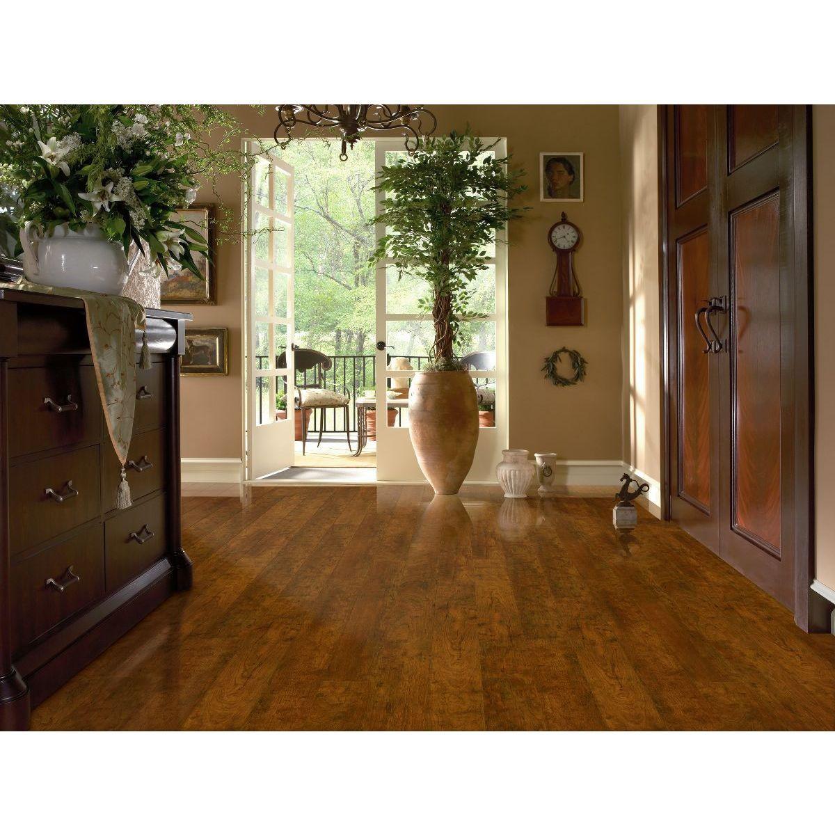 Armstrong Premium Lustre Laminate Flooring (13.05-square ...