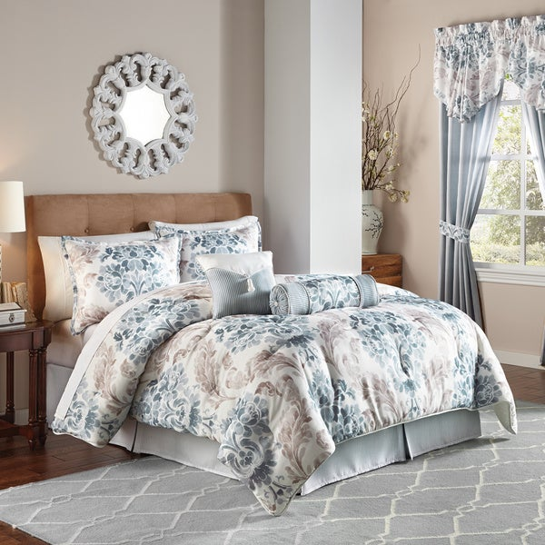 Chapel Hill by Croscill Kinsley Print Damask Comforter Set