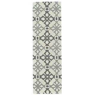 Grand Bazaar Archipelago Fog Tufted Rug (2'6 x 8')
