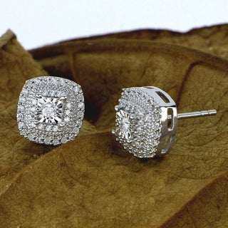 De Couer 1/4ct Diamond Halo Stud Earrings - White