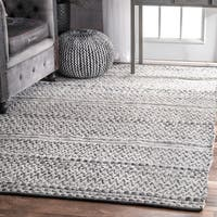 nuLOOM Flatweave Chevron Striped Indoor/Outdoor Patio Silver Rug (5' x 8')