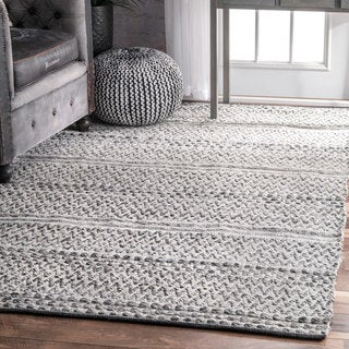nuLOOM Flatweave Chevron Striped Indoor/ Outdoor Patio Silver Rug (7'6 x 9'6)