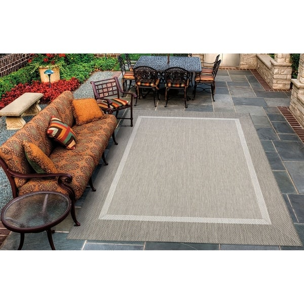"Pergola Channel Champagne-Taupe Indoor/Outdoor Area Rug - 5'10"" x 9'2"""