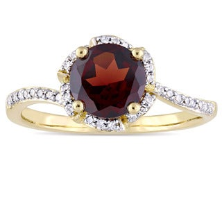 Miadora Signature Collection 14k Yellow Gold Garnet And 1 10ct TDW Diamond Halo Slender Band Ring G Red