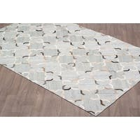 Handmade Leather/Viscose Silver Grey Rug (5' x 8')