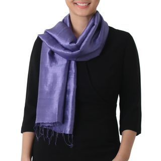 Handcrafted Silk 'Otherworldly in Blue-violet' Scarf (Thailand)