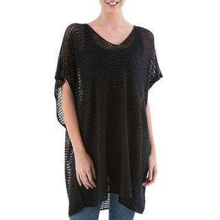 Handcrafted Acrylic Alpaca Blend 'Black Dreamcatcher' Tunic (Peru)