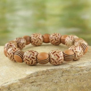 Handcrafted Sese Wood Recycled Plastic 'Godly Love' Bracelet (Ghana)