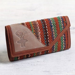 Handmade Leather Wool 'Dancer's Soul' Multi Pocket Tri-fold Wallet (Peru)