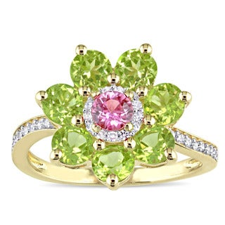 Laura Ashley Peridot Pink Sapphire and 1/7ct TDW Diamond Flower Ring in 14k Yellow Gold (G-H,I1-I2)