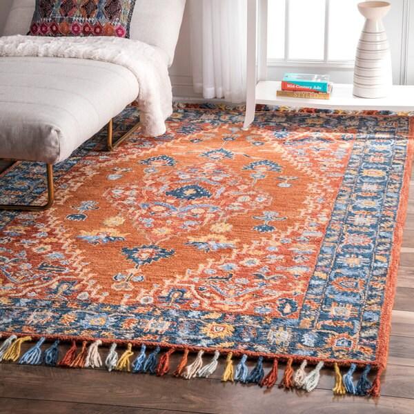 NuLOOM Handmade Traditional Inspired Mystic Wool Tassel Rug