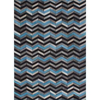ecarpetgallery Grey/Blue Leather Handmade Cowhide Patchwork Rug (5'3 x 7'5)