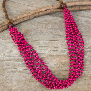 Handcrafted Littleleaf Boxwood 'Pink Muse' Necklace (Thailand)