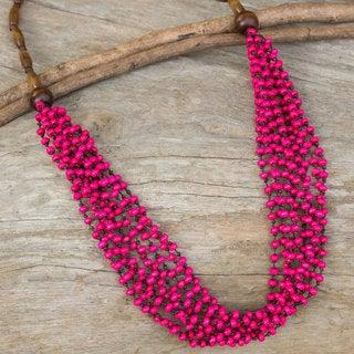 Handmade Littleleaf Boxwood 'Pink Muse' Necklace (Thailand)