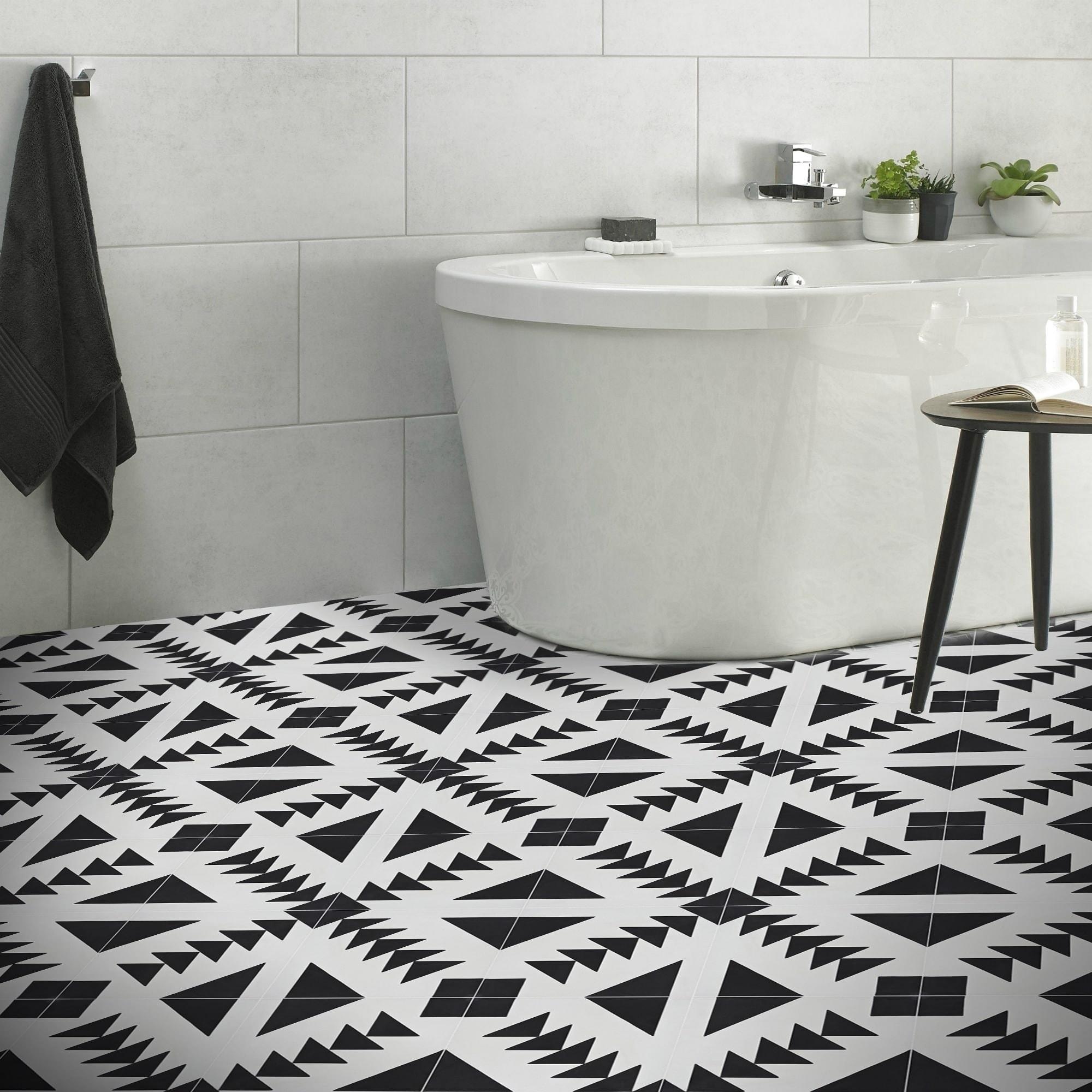 Handmade Tadla In Black And White Tile
