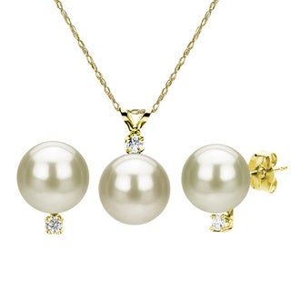 DaVonna 14k Gold Cultured Freshwater Pearl and Diamond Earrings/ Necklace Set (9-9.5 mm)