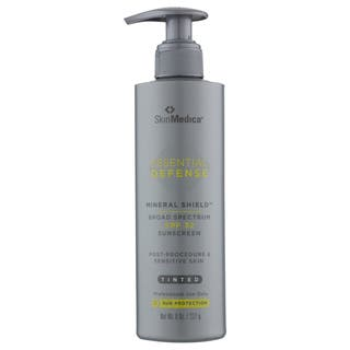 SkinMedica Essential Defense Mineral Shield 8-ounce Tinted Moisturizer SPF 32|https://ak1.ostkcdn.com/images/products/14475952/P21035983.jpg?impolicy=medium