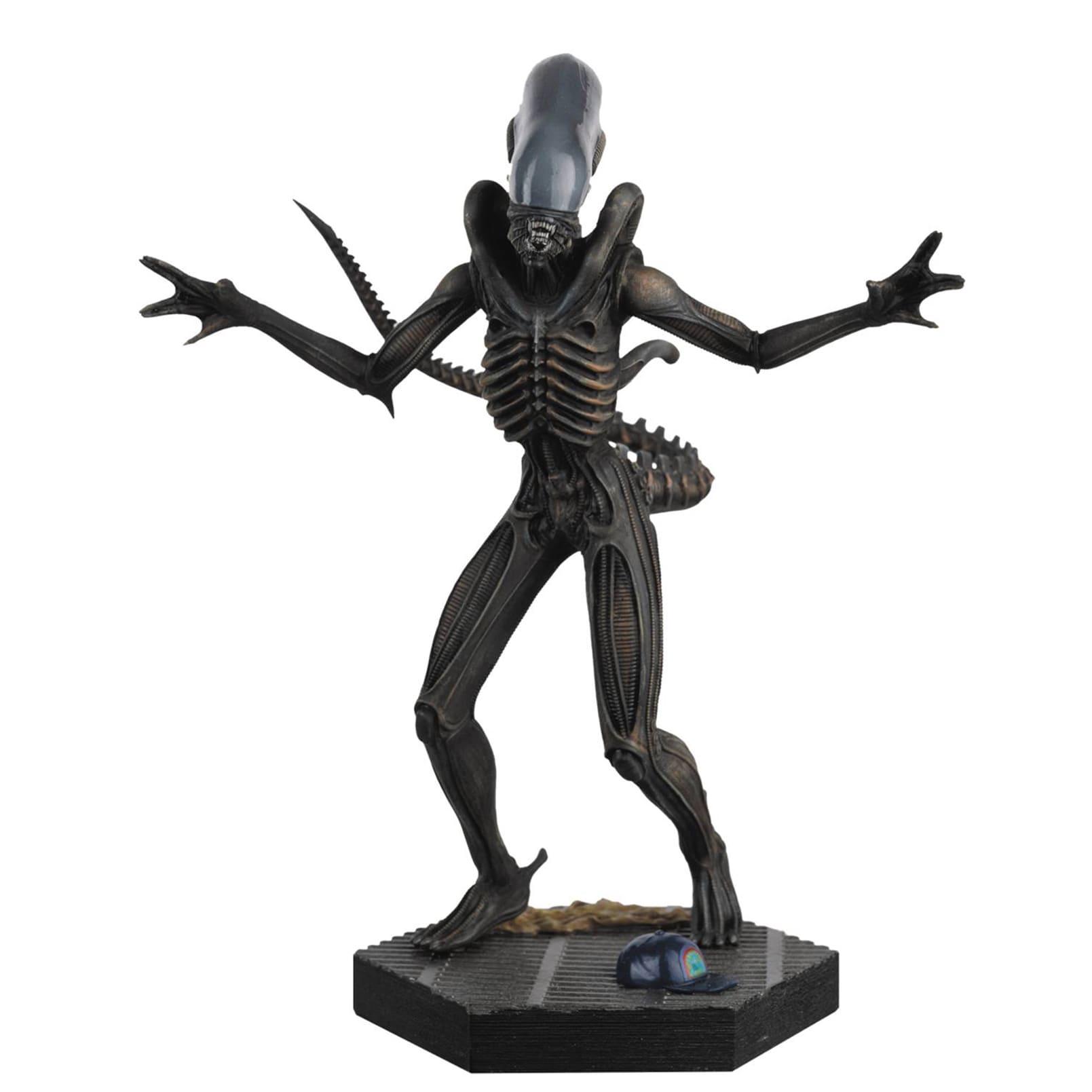 Diamond Select Toys Alien/Predator Figure Collection #1 A...
