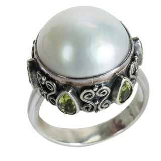 Robert Manse Sterling-silver 1.50ct White Mabe Pearl and Peridot Ring