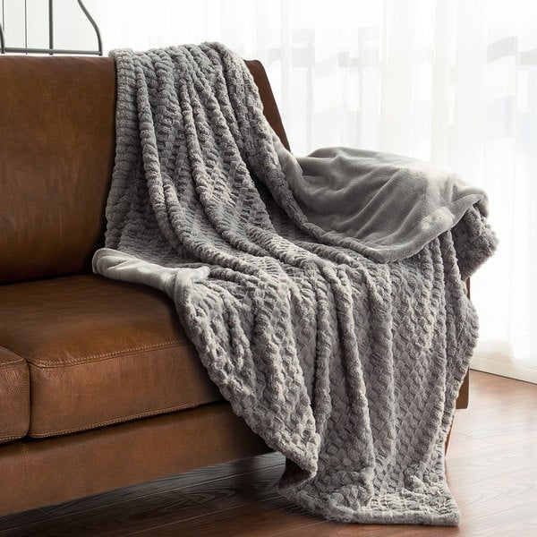 Bedsure Faux Fur Textured Reversible Throw