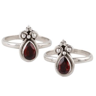 Handmade Pair of Garnet Toe Rings, 'Scarlet Drops' (India)