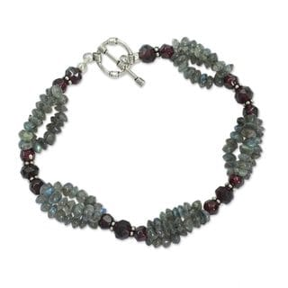 Handmade Labradorite and Garnet Beaded Bracelet, 'Evening Mist' (India)