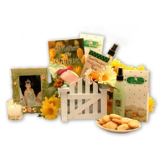 Hugs for Mom Gift Basket