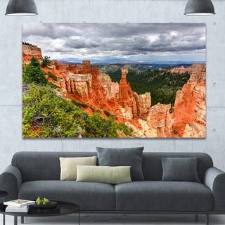 Designart 'Bryce Canyon National Park' Extra Large Landscape Canvas Art Print - Orange
