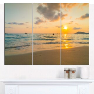 Designart 'Stylish Blur Sunset over the Sea' Multipanel Seashore Canvas Art Print - 3 Panels 36x28
