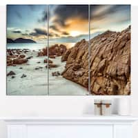 "Designart 'Quang Ninh Province Vietnam' Multipanel Landscape Canvas Art Print - 36""x28"" 3 Panels - Multi-color"