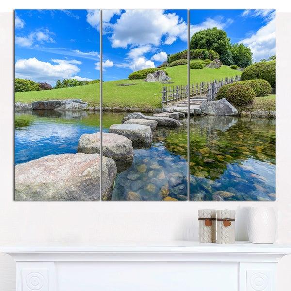 Designart 'Japanese Garden in Okayama' Multipanel Landscape Canvas Art Print - 3 Panels 36x28
