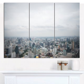 Designart 'Panoramic Aerial View of Big City' Multipanel Landscape Canvas Art Print - 3 Panels 36x28