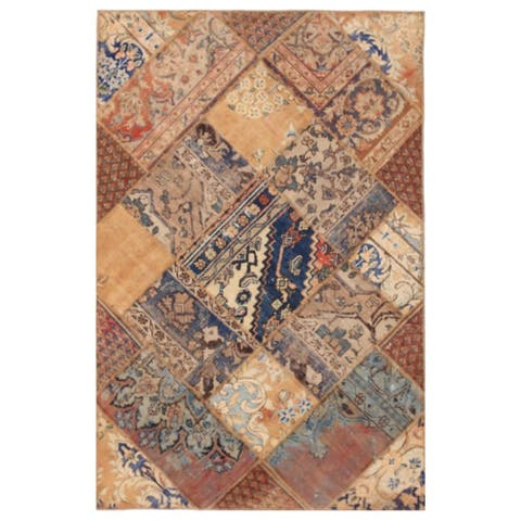 Handmade One-of-a-Kind Patchwork Wool Rug (Pakistan) - 4'2 x 6'4