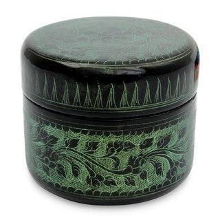 Handmade Lacquered Wood Box, 'Exotic Green Flora' (Thailand)