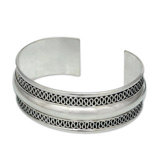Handmade Sterling Silver Cuff Bracelet, 'Captivated' (Thailand)