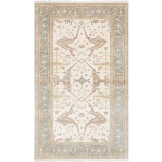 Ecarpet Gallery Hand-knotted Royal Ushak Ivory Wool Rug (4'11 x 8'3)