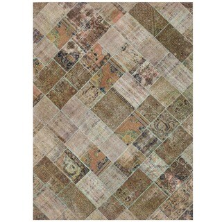 Herat Oriental Pak Persian Hand-knotted Patchwork Wool Rug (7'7 x 10'5)