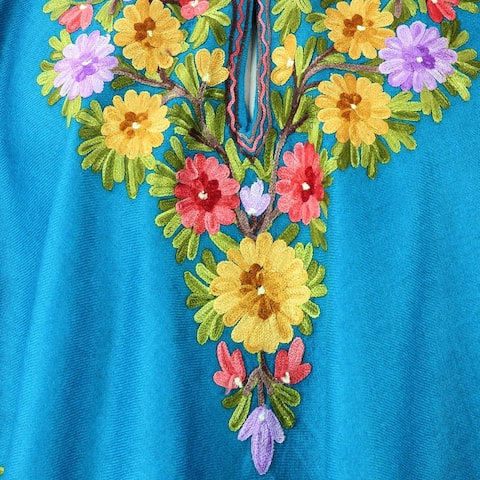 Handmade Wool 'Colorful Affair' Embroidered Turquoise Blue Poncho (India)