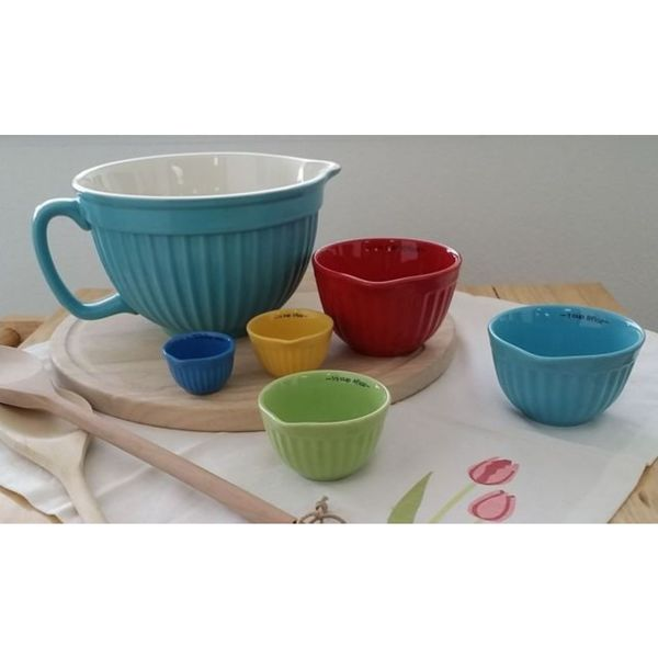 Stoneware Batter Bowl with 5 Measure Cups
