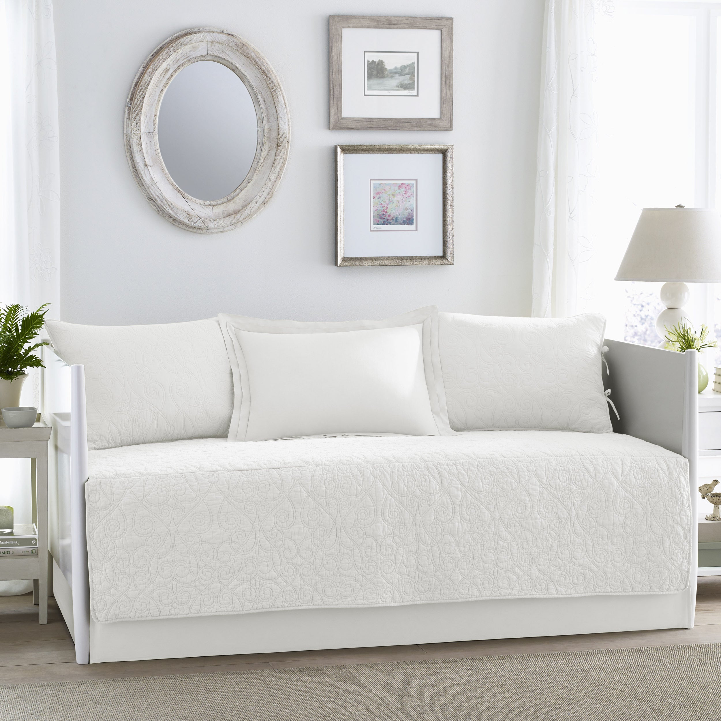 Laura Ashley Felicity White 5-piece Daybed Cover Set (Day...