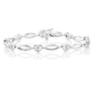 Sterling Silver 1/5CTtw Heart Link Diamond Bracelet