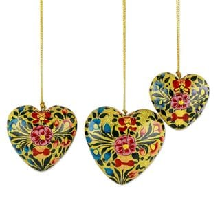 Handmade Set of 3 Papier Mache Ornaments, 'Floral Hearts' (India)