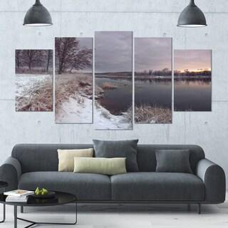 Designart 'Winter River in Dark Morning' Seashore Wall Art on Canvas - 60x32 5 Panels