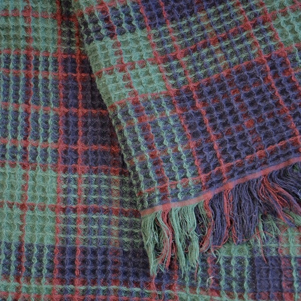 De Moocci Waffle 100-Percent Cotton Plaid Throw