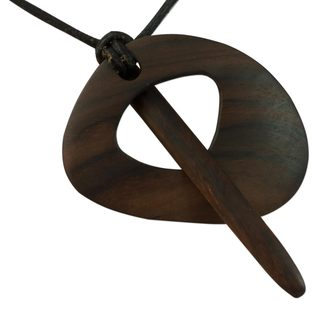 Handcrafted Leather Granadillo Wood 'Dragonfly' Necklace (Guatemala)