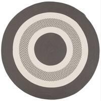 Grey Indoor/ Outdoor Round American-Made Braided Rug (8' Round) - 8' x 8'