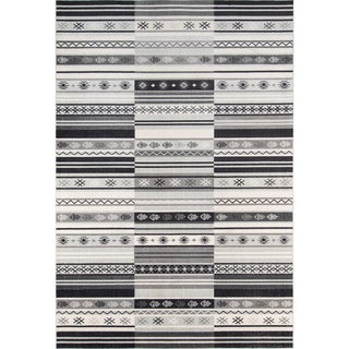 Mojave Maverick Charcoal Indoor/Outdoor Rug (8'6 x 11'6)