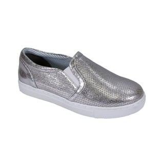 FIC Fuzzy Women's Mila Wide-width Lightweight Casual Loafer https://ak1.ostkcdn.com/images/products/14660407/P21197106.jpg?impolicy=medium