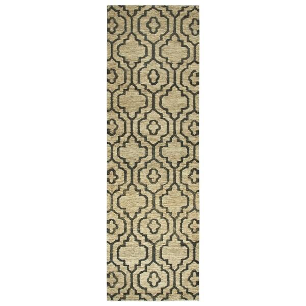 Hand-woven Whittier Natural Jute Trellis Runner Rug (2'6 x 8')