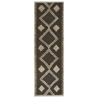 "Hand-woven Whittier Brown Jute Geometric Runner Area Rug (2'6 x 8') - 2'6"" x 8'"